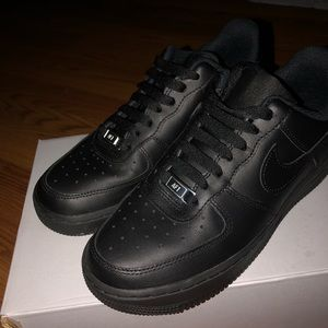Black Air Force 1s size 6.5